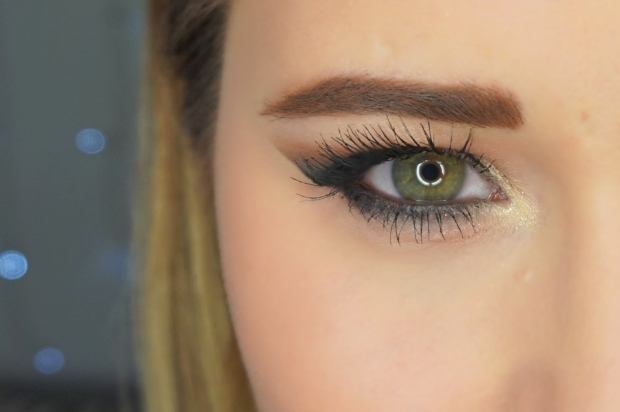 look 1 yeux ouvert